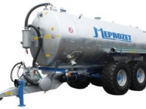 14.000 litrů